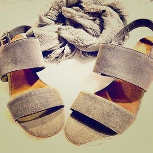 ✨Mid-heel: Toms Poppy Sandals 👡